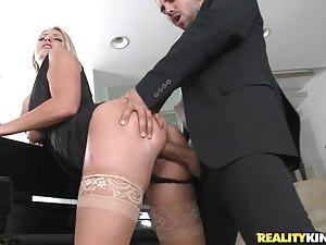 Chantelle Sky Gets A Mouthful Of Cum