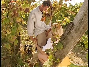 Hot Outdoors Action With a Sexy Blonde In a Vineyard