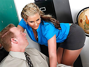 MILF Babe Phoenix Marie Sucks Cock and then Gets Anal Fucked in Classroom